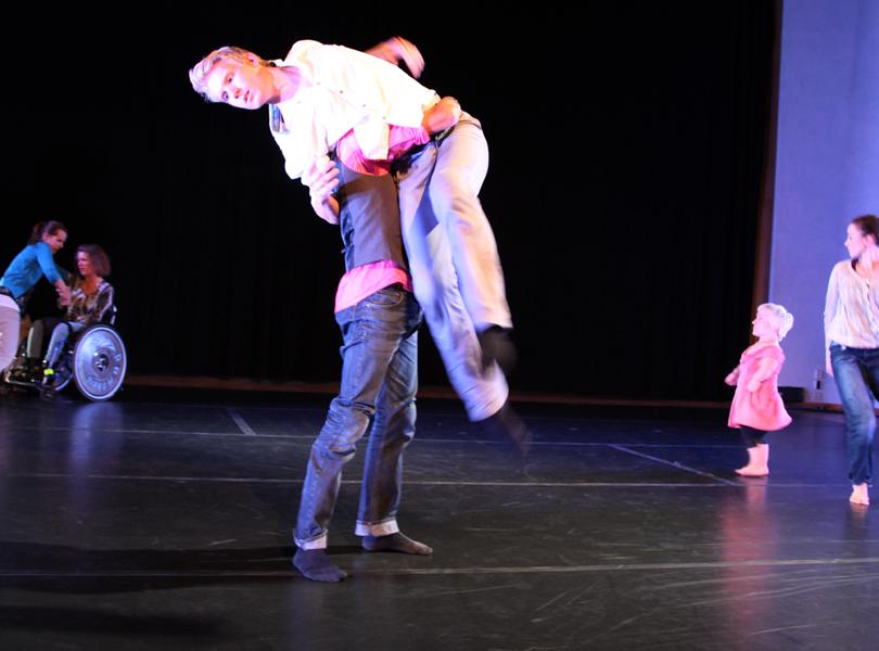 annonser dansare orgie i Örebro